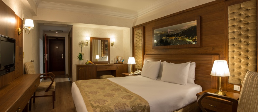 double room with french bed yigitalp hotel istanbul
